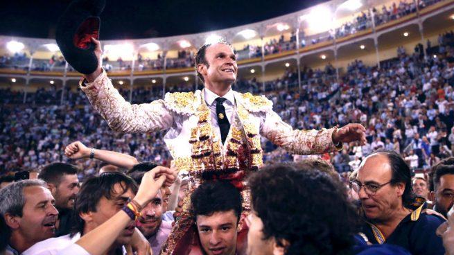 Lección de vida y toreo de Ferrera: Puerta Grande en su encerrona en las Ventas