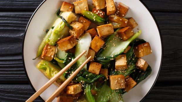 Acelgas rehogadas con patatas y tofu