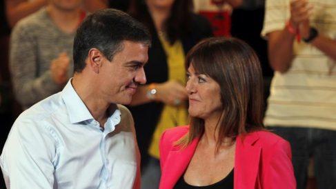 Pedro Sánchez e Idoia Media.