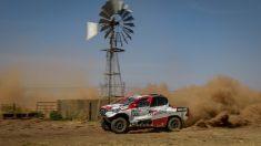Fernando Alonso, durante el Rally de Marruecos. (AFP)