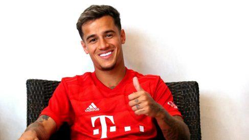 Philippe Coutinho posa con la camiseta del Bayern (Getty).