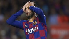Piqué,-durante-el-partido-ante-el-Sevilla-en-el-Camp-Nou-(Getty)