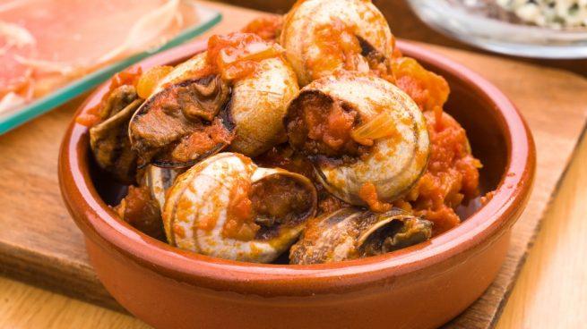 Caracoles con salsa de tomate
