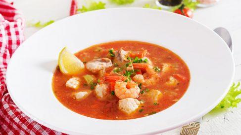 Sopa de bacalao con gambas