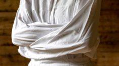 Aprende cómo escapar de una camisa de fuerza