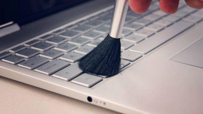 limpiar teclado de un portátil