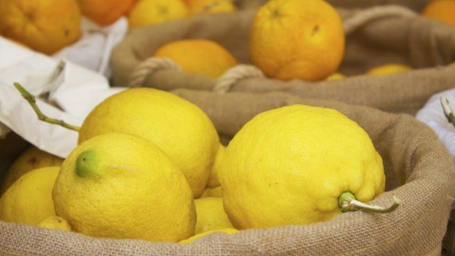 eliminar la cera de los limones