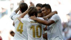 Los jugadores del Real Madrid celebran uno de los tantos ante el Granada (Getty).
