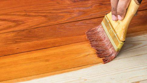 Guía de pasos para pintar una mesa de madera