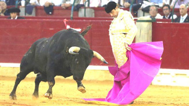 Ponce corta dos orejas en Zaragoza, Lorenzo se lleva una y Cayetano se va de vacío