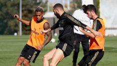 Mariano, Benzema y Theo durante un entrenamiento. (Realmadrid.com)