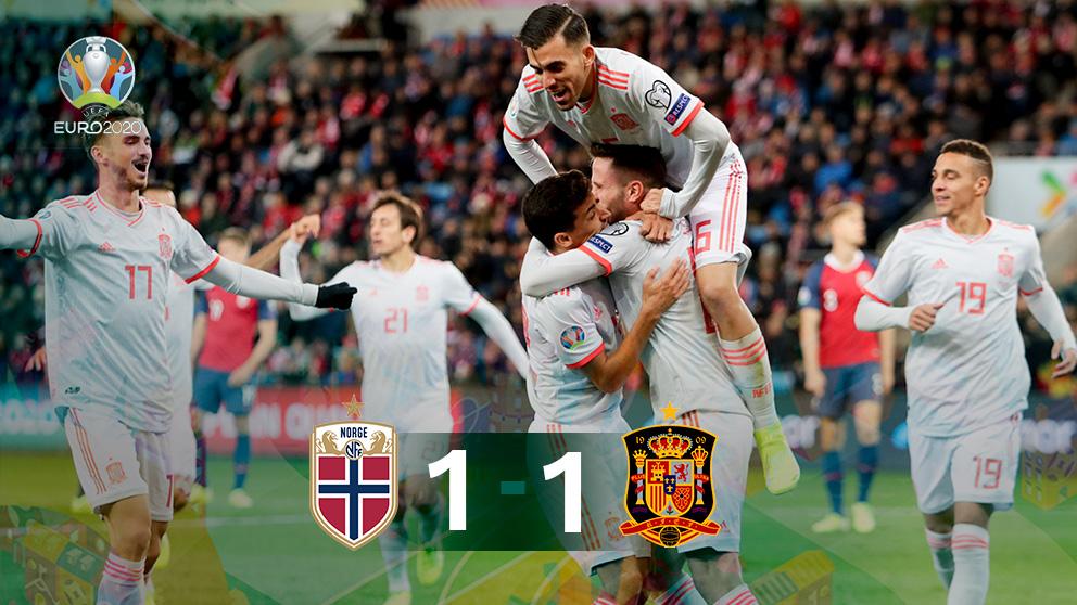 Los jugadores de España celebran el 0-1 ante Noruega.