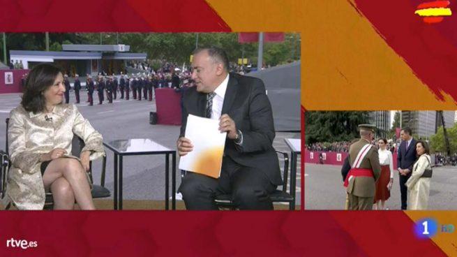 TVE censura los abucheos a Sánchez emitiendo en ese momento una entrevista grabada con Robles