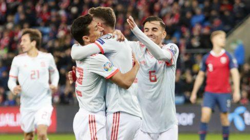 Los jugadores de España celebran el 0-1 en Noruega. (AFP)