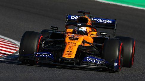 Carlos Sainz Jr. a los mandos de su McLaren, en el GP de Japón de Fórmula 1 (Getty).