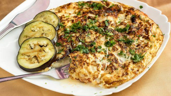 Casa y Jardín- -Gastronomia Receta-de-tortilla-de-berenjena-con-queso-crema-1-655x368
