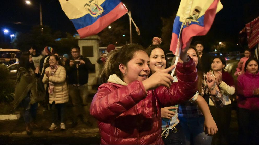 Indígenas celebran en Ecuador que el Gobierno haya llegado a un acuerdo para poner fin a las protestas.