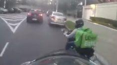 Facebook: Espectacular persecución de un repartidor en moto