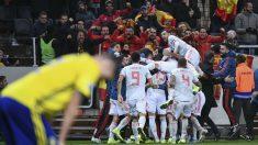 España celebra un gol ante Suecia. (AFP)