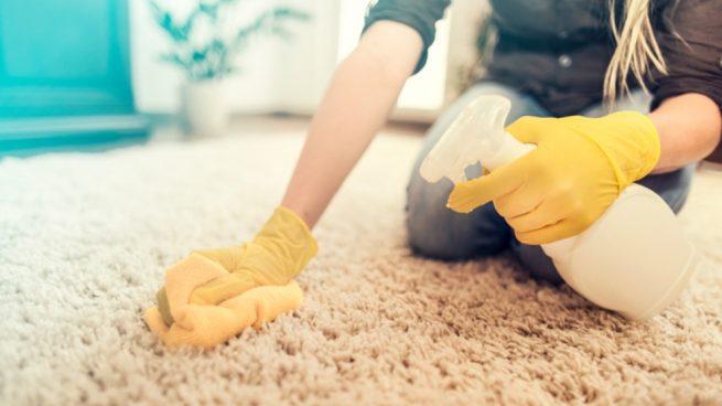 Eliminar el mal olor de las alfombras