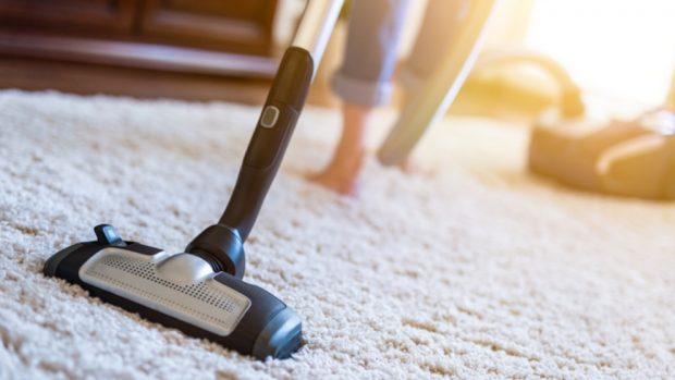 Cómo eliminar el mal olor de las alfombras