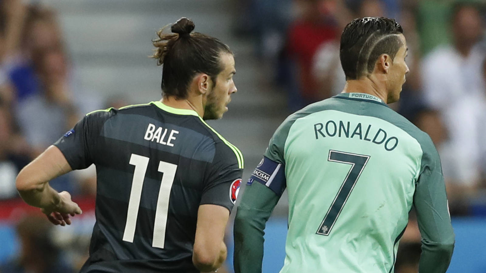 Bale y Cristiano, en una foto de archivo en un partido entre Gales y Portugal.
