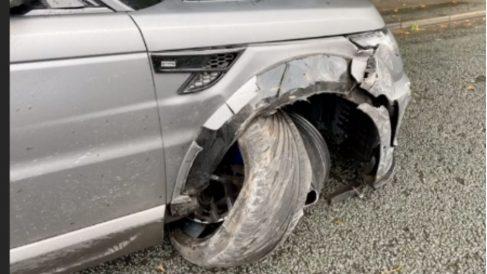Así quedó el coche del Kun Agüero tras el accidente.