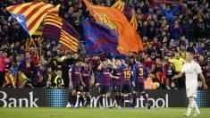 Los jugadores del Barcelona celebran un gol en el Clásico. (AFP)