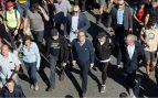 Torra con Ibarretxe en una de las marchas separatistas que jalean los CDR y el Tsunami