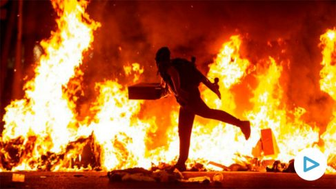 Graves disturbios en las calles de Barcelona.