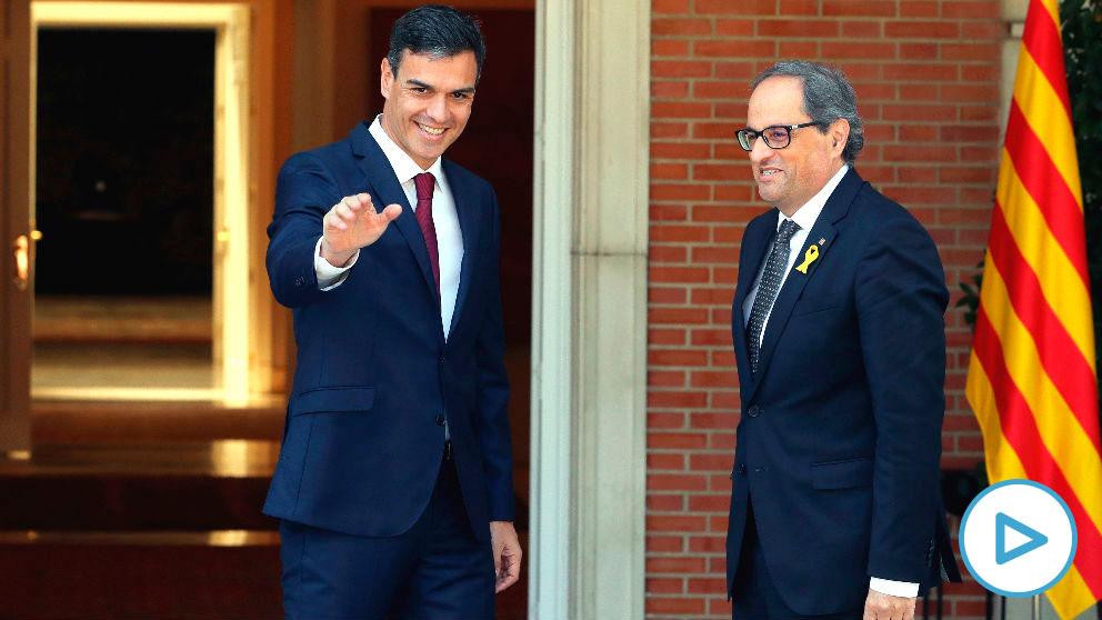El presidente del Gobierno, Pedro Sánchez, y el 'president' de la Generalitat, Quim Torra. (Foto: Efe)