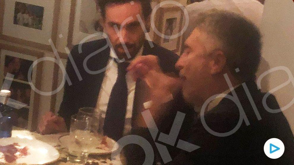 Fernando Grande-Marlaska cenando en el  Válgame Dios.