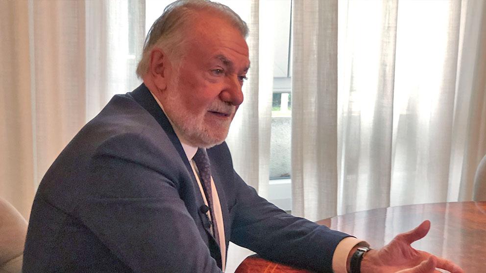Jaime Mayor Oreja en una entrevista para OKDIARIO. (Foto: Enrique Falcón).