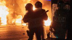 Mossos en los disturbios de Gerona