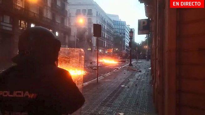 Barcelona, en directo: Última hora de los disturbios, incendios y barricadas hoy en Cataluña
