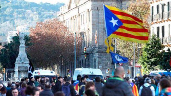 Cataluña espanta al turismo: desvían a Valencia un crucero con 918 pasajeros por la violencia independentista