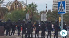 Agentes de los GRS en Barcelona.