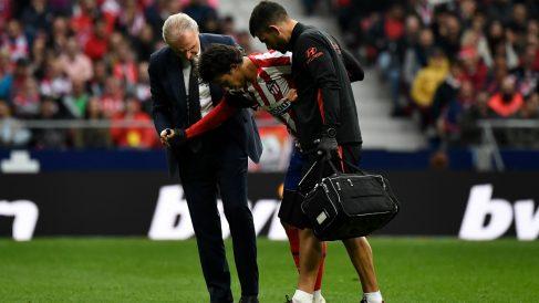 Joao Félix se retiró lesionado en el minuto 79 (AFP).