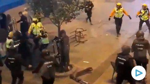 La Policía carga en Madrid contra radicales de extrema izquierda que se manifiestan a favor del 'procés'