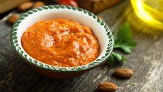 Receta de Salsa de pimientos de piquillo con crujiente de jamón