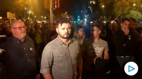 Gabriel Rufián, increpado este sábado por los CDR en una manifestación en Barcelona.