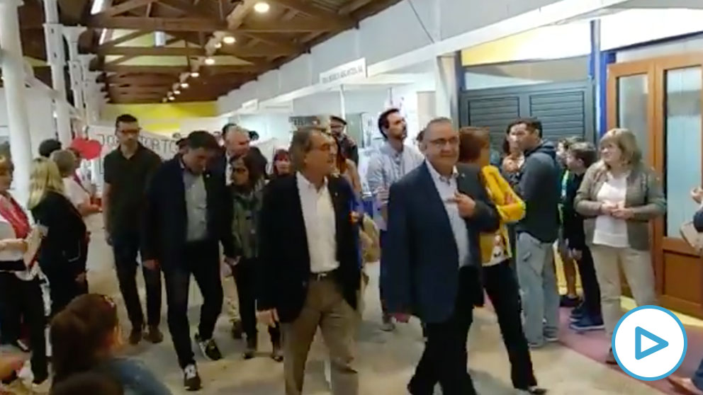Boicot de unos a CDR a Artur Mas en la Feria del Viento del Pla de Santa María (Tarragona).