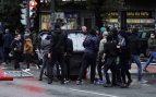 Dos ertzaintzas heridos y diez detenidos en una protesta de proetarras contra un mitin de Vox en Bilbao