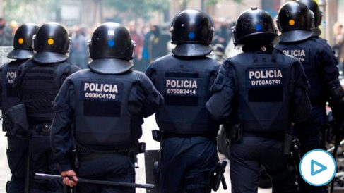 Mossos d'Esquadra en una manifestación de Barcelona (Foto: EFE)