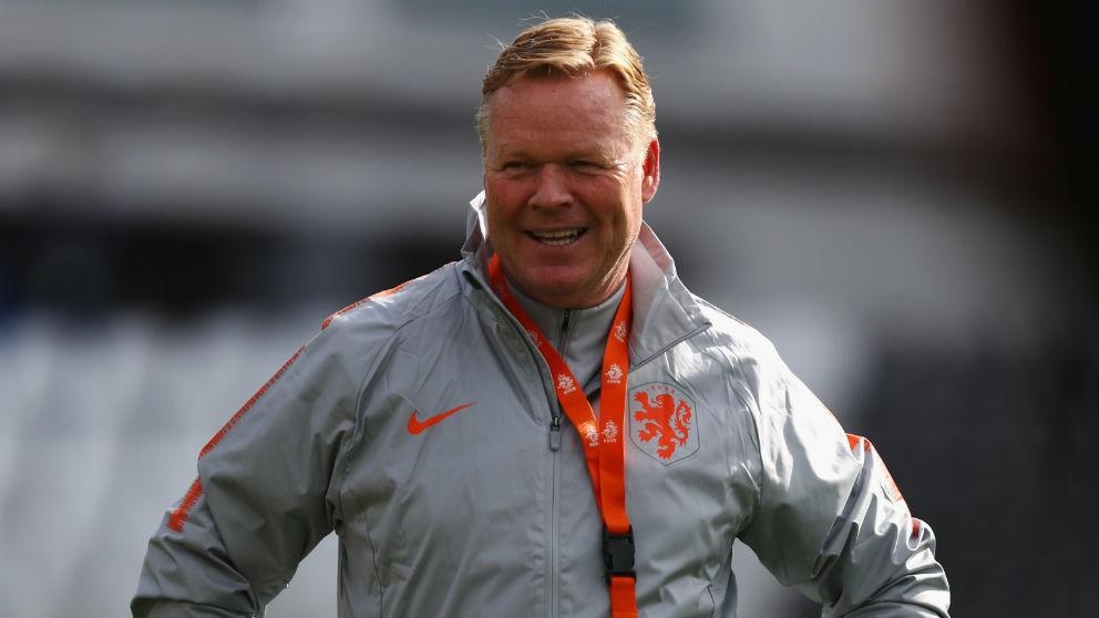 Ronald Koeman, en un entrenamiento con Holanda. (Getty)