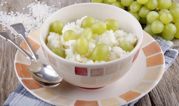 Tarta de arroz y frutas