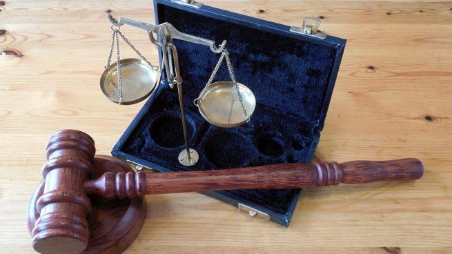 Su función es la de determinar y juzgar determinados delitos según temática.