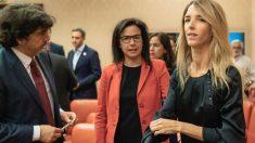 Cayetana Álvarez de Toledo junto a los también diputados del PP Ana Vázquez y Mario Garcés. (PP)