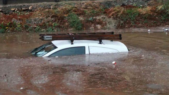 coche-inundado-temporal-cataluna-bajo-campo-tarragona