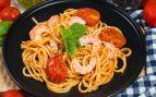 Receta de espaguetis con oreja de cerdo y gambas